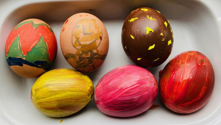 Easter activities for kids - arty eggs